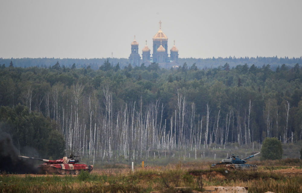 Танковый биатлон в рамках Международных армейских игр проводится ежегодно в России