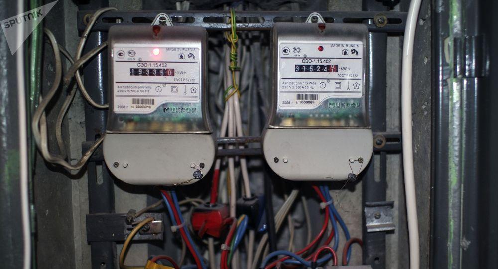 Счетчики учета электроэнергии. Архивное фото