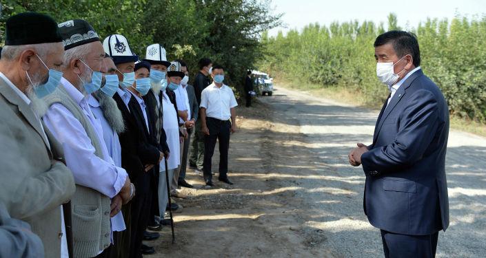 Президент Кыргызской Республики Сооронбай Жээнбеков в рамках рабочей поездки в Ошскую область встретился с жителям. 10 сентября 2020 года