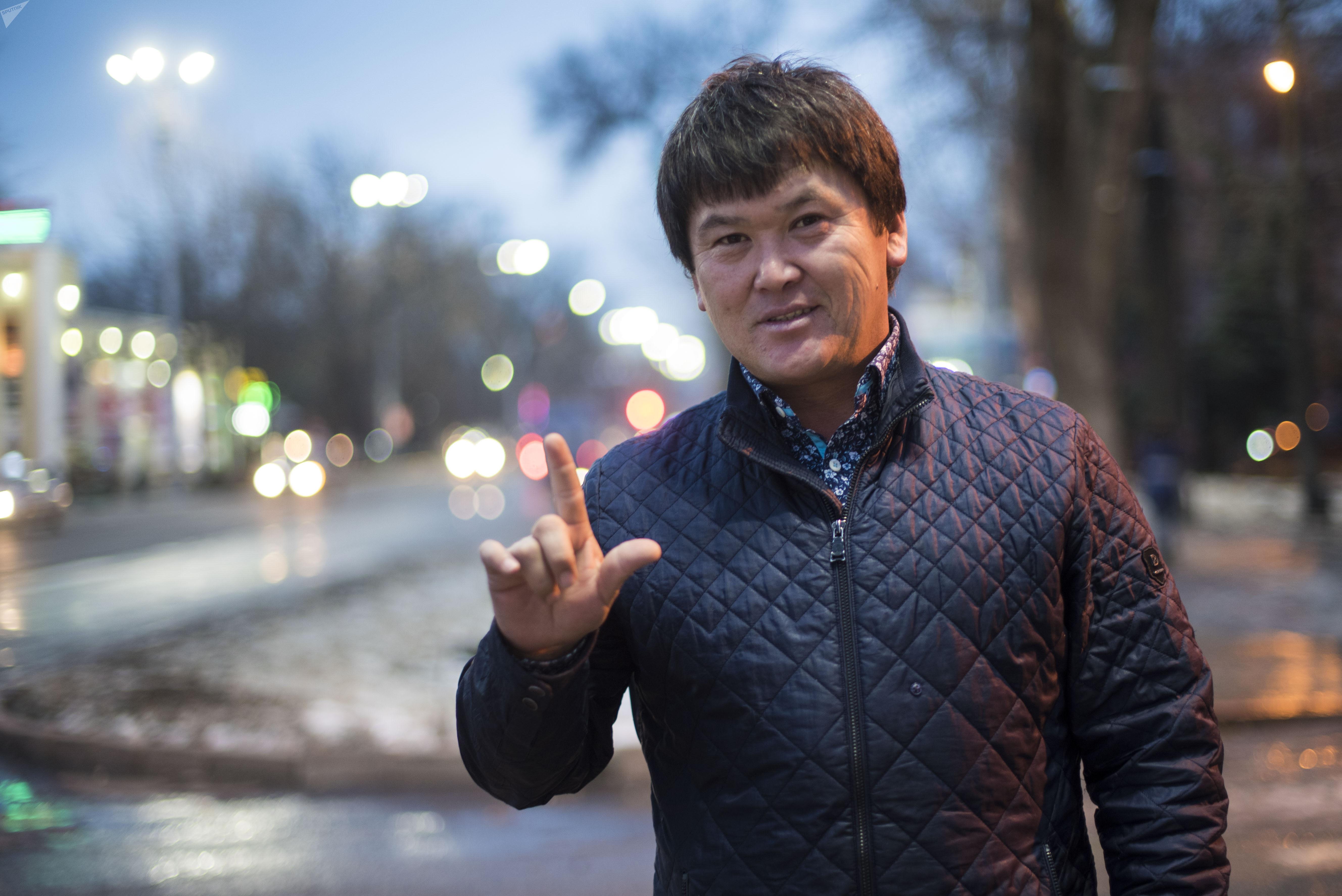 Певец кыргызской эстрады, участник группы Биз Бактияр Токторов
