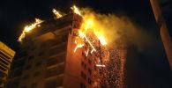 Поздно вечером 16 сентября в микрорайоне Джал в Бишкеке вспыхнул пожар на верхних этажах строящейся высотки. Как это было, смотрите в нашем видео.