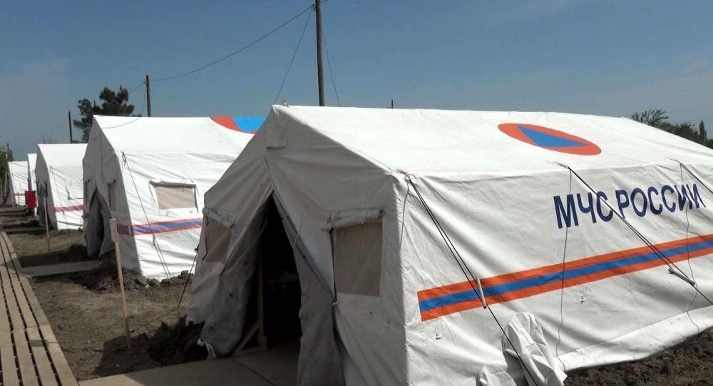 Палатки МЧС РФ для временного размещения граждан. Архивное фото