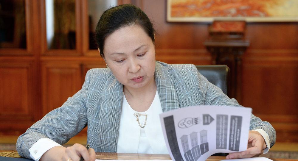 Мамлекеттик ипотекалык компаниянын (МИК) жетекчиси Элмира Абжапарова. Архивдик сүрөт