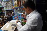 На Ошском рынке был изъят алкоголь и сигареты сомнительного качества