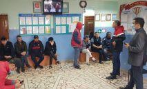 Кыргызстанцы застрявшие на территории Куюргазинского района Башкирии в России. Архивное фото
