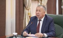 Премьер-министр Кыргызстана Кубатбек Боронов на заседании Республиканского оперативного штаба