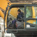 ...Кыргызкөмүр мамлекеттик ишканасы эки экскаватор менен көмүр казат