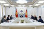 Президент Кыргызской Республики Сооронбай Жээнбеков принял заместителя председателя Правительства Российской Федерации Алексея Оверчука