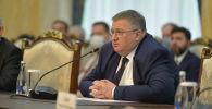 Сопредседатель комиссии с российской стороны, заместитель председателя правительства РФ Алексей Оверчук на заседании межправительственной комиссии в Бишкеке