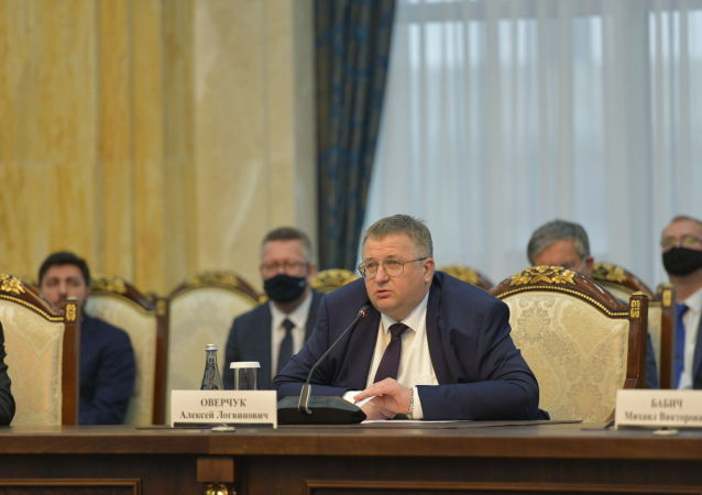 Сопредседатель комиссии с российской стороны, заместитель председателя правительства РФ Алексей Оверчук на заседании межправительственной комиссии в Бишкеке. 22 сентября 2020 года