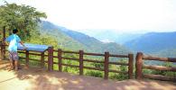 Посетитель старейшего национального парка Таиланда Кхауяй. Архивное фото