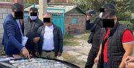 Баңгизат сатып жаткан милициянын полковники Бишкекте кармалды