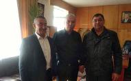 Кандидаты в депутаты от партии Мекеним Кыргызстан  Илхам Маннанов от партии Биримдик Шукурулло Файзуллаев, которые были исключены из списка