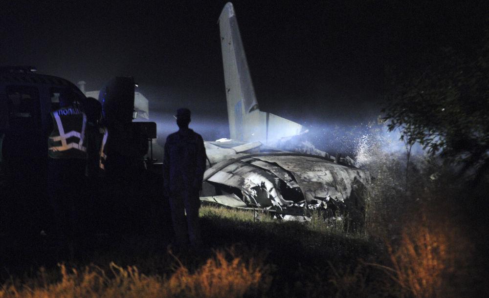По одной из версий, катастрофа случилась вследствие технической неисправности агрегатов летательного аппарата