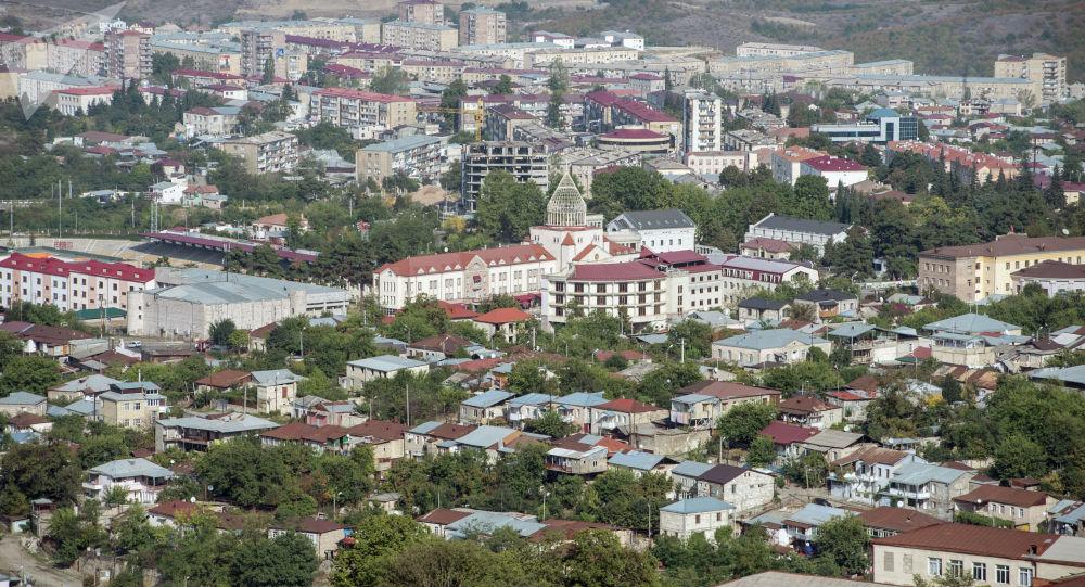 Өзүн-өзү эркин деп жарыялаган Тоолуу Карабах республикасындагы Степанакерт шаары. Архив