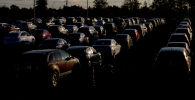 Машины на авторынке. Архивное фото