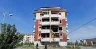 Дом в городе Тертер, пострадавший от боев в районе самопровозглашенной Нагорно-Карабахской Республики. Тертер - одна из основных точек, вокруг которых идут бои в Карабахе, до линии соприкосновения всего несколько километров.