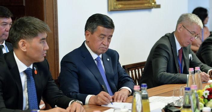 Президент Сооронбай Жээнбеков обсудил с Премьер-министром Венгрии Виктором Орбаном актуальные вопросы двустороннего сотрудничества. 29 сентября 2020 года