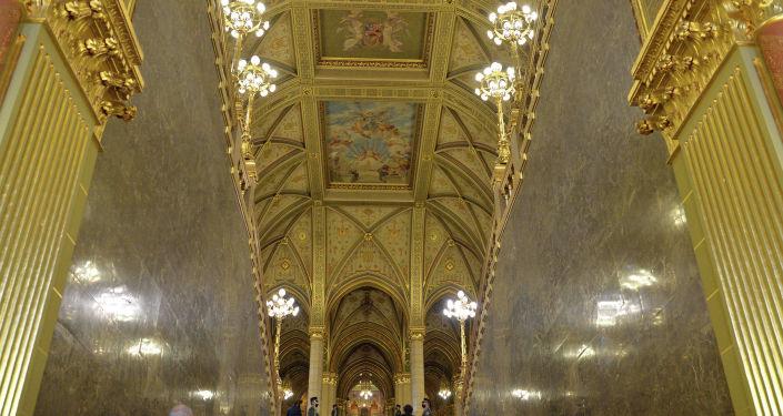 Здание Парламента Венгрии, являющееся одним из самых красивых сооружений Будапешта и исторической достопримечательностью города