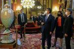 Президент КР Сооронбай Жээнбеков во время осмотра здания Парламента, являющегося одним из самых красивых сооружений Будапешта и исторической достопримечательностью города