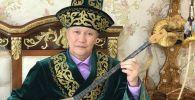 Казак элинен чыккан манасчы, акын, драматург, жазуучу, котормочу жана кинорежиссёр Баянгали Алимжанов