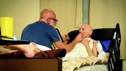 Дүйнөдө биринчилерден болуп ВИЧ оорусунан айыккан АКШнын Тимоти Рэй Браун аттуу жараны. Архивдик сүрөт