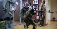 Демонстрация военного экзоскелета. Архивное фото
