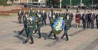 Сегодня, 3 октября, международные наблюдатели от Межпарламентской ассамблеи государств — участников СНГ возложили цветы к мемориалу Вечный огонь на площади Победы.