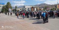 Нарында шаарында ЖК шайлоосунун жыйынтыгына нааразы болгондор митингге чыкты