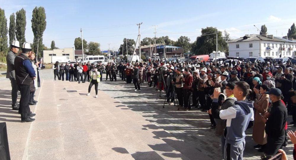 Митинг в Таласе недовольных результатами парламентских выборов