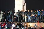На площадь привезли осужденного и освобожденного сегодня политика Садыра Жапарова
