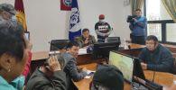 Жоошбек Коеналиев в мэрии Бишкека после митингов недовольных результатами выборов в ЖК