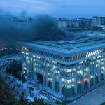 Утром 6 октября в здании Жогорку Кенеша начался пожар — горел четвертый этаж