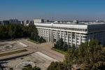 Вид с высоты на здание Жогорку Кенеша