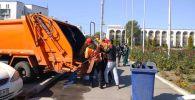 Сотрудники муниципальных служб при мэрии Бишкека работают в повседневном режиме