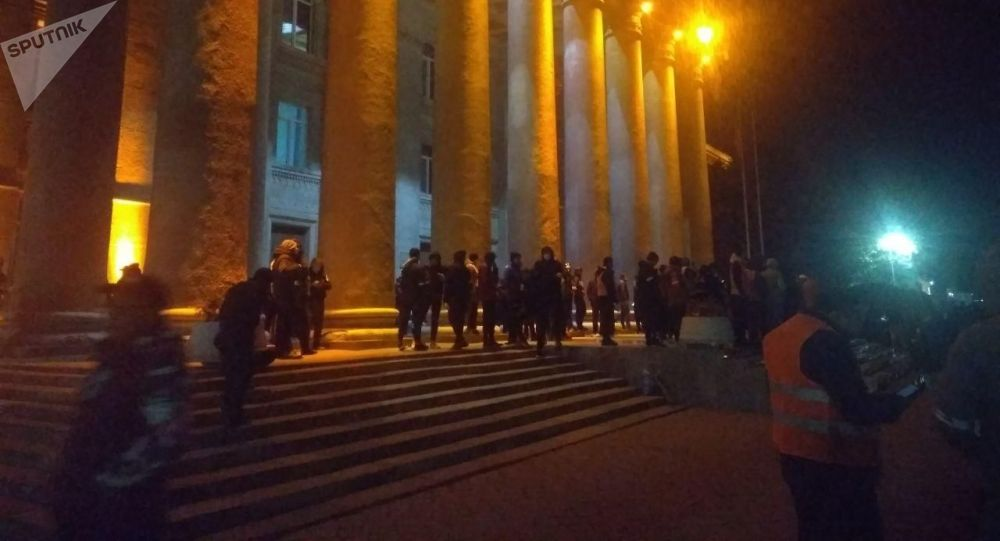 Дом правительства в Бишкеке