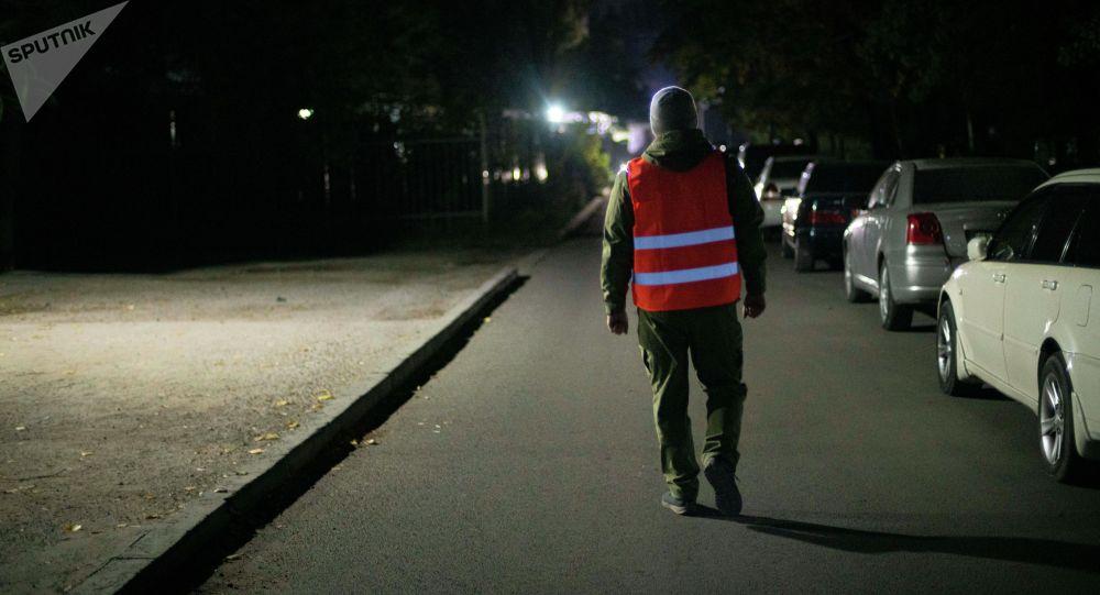 Түнкүсүн Бишкекте элдик кошуун