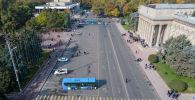 Сторонники политика Садыра Жапарова на старой площади в Бишкеке