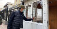 Бишкек калаа мэри Азиз Суракматов шаар айланып учурунда. Архивдик сүрөт