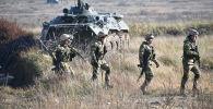 Военнослужащие во время отработки практических действий на учениях ОДКБ Взаимодействие-2019. Архивное фото