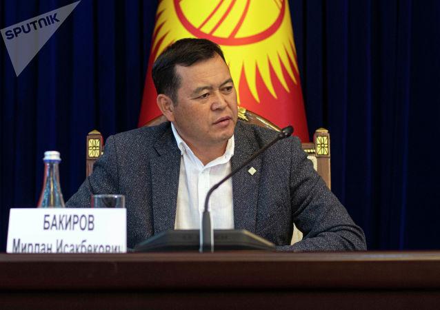 Вице-спикер Жогорку Кенеша Мирлан Бакиров в госрезиденции Ала-Арча, перед началом заседания где будет рассматриваться кандидатура на премьер-министра Кыргызстана