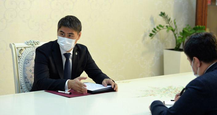 Президент Кыргызской Республики Сооронбай Жээнбеков принял главу внешнеполитического ведомства страны Чынгыза Айдарбекова. 13 октября 2020 года