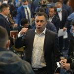 15-октябрдан кийин Садыр Жапаров эки тизгин бир чылбырды колуна алып, премьер-министр жана президенттин милдетин аткарып баштаган