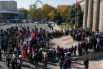 Президент Сооронбай Жээнбеков сегодня, 14 октября, подписал указ о назначении главы и членов правительства.
