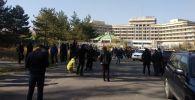Митинг за отставку президента Сооронбая Жээнбекова в Бишкеке