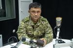 Глава Генерального штаба Кыргызстана Таалайбек Омуралиев во время интервью на радиостудии Sputnik Кыргызстан