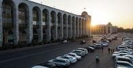 Площадь Ала-Тоо в Бишкеке во время заката. Архивное фото