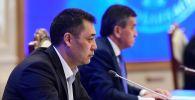 Кыргызстандын президенти Садыр Жапаров жана экс-президент Сооронбай Жээнбеков. Архив