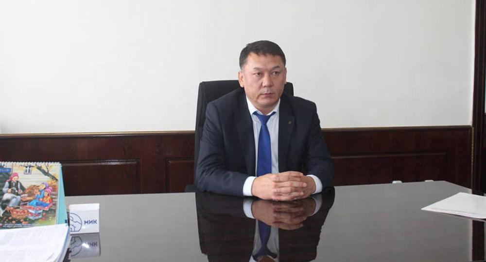 Өкмөттүн Баткен облусундагы ыйгарым укуктуу өкүлү болуп дайындалган Жаныбек Жалалов жамаатка тааныштырылды