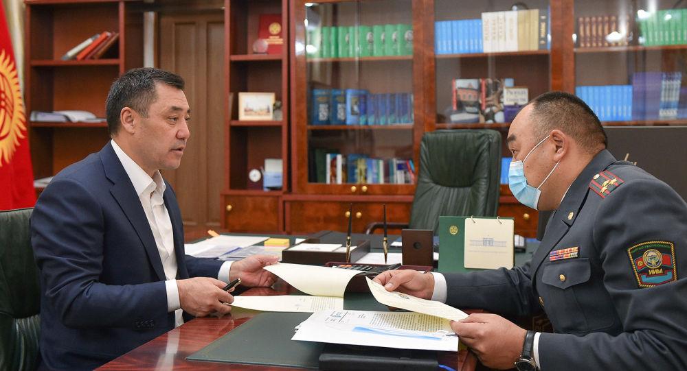 И.о. Президента Садыр Жапаров встретился с министром внутренних дел Уланом Ниязбековым
